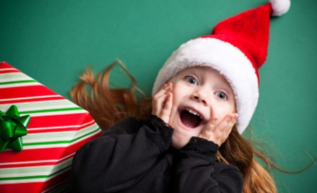 Little_girl_excited_christmas_present